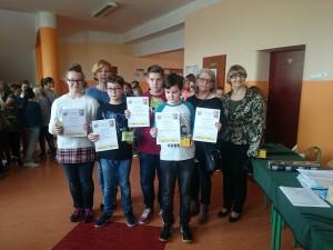 Zdobywcy II miejsc z Dyplomami i nagrodami